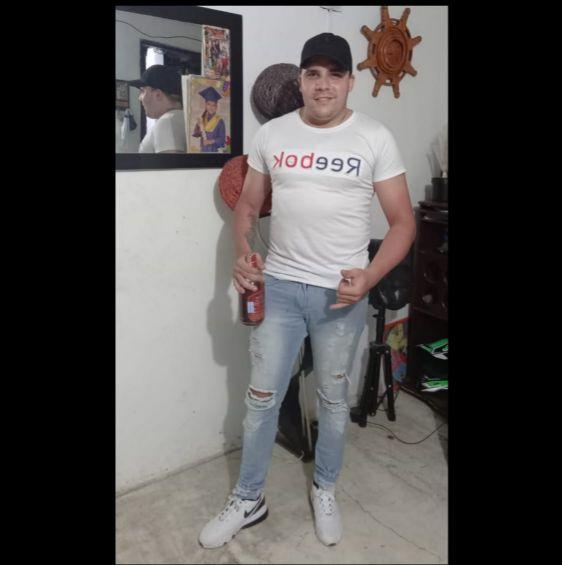 Esteban, Chico de Medellín buscando amigos