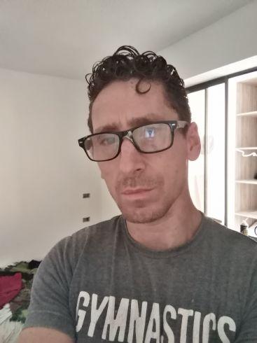 Devans, Hombre de Medellín buscando pareja