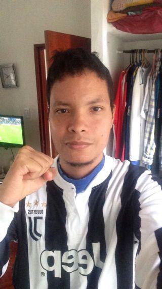 Andres david minayo, Chico de Cali buscando amigos