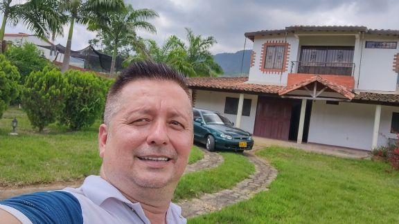 Pedro, Hombre de Bucaramanga buscando amigos