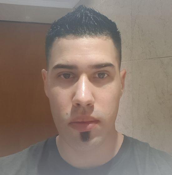 Maxi, Chico de Belén de Escobar buscando conocer gente