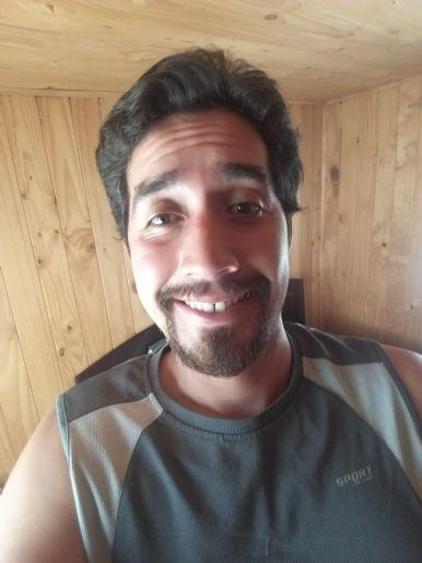 Cristian, Hombre de La Unión buscando una cita ciegas