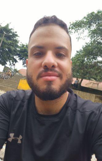 Edwin , Chico de Santo Domingo buscando amigos