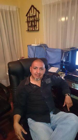 Jhonny, Hombre de Cochabamba buscando conocer gente