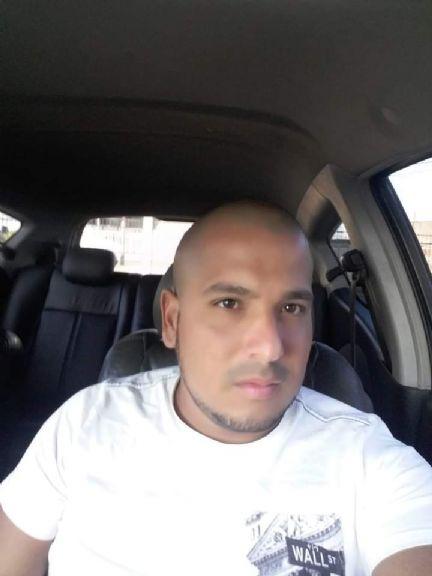 Francisco, Hombre de Panamá buscando conocer gente