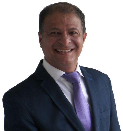 Cesar ricardo anselm, Hombre de Quito buscando conocer gente
