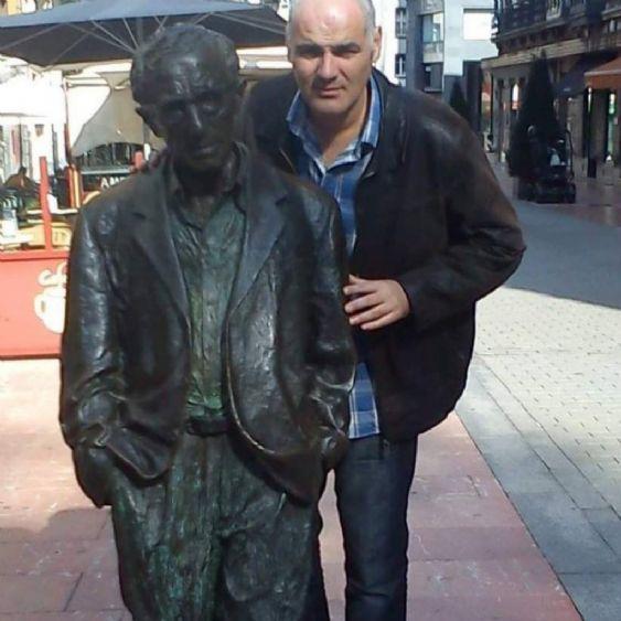 Nacho, Hombre de Oviedo buscando amigos