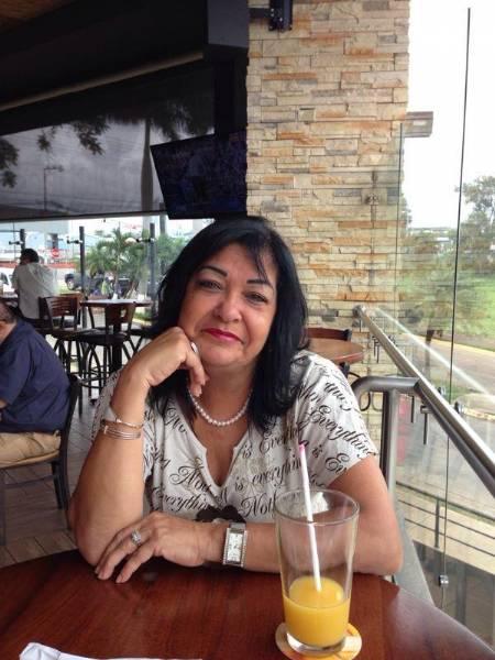Mirna gonzález contr, Mujer de Heredia buscando pareja
