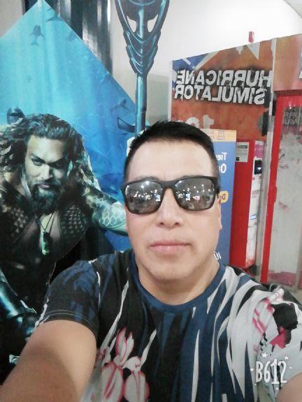 Renzo, Hombre de Santiago buscando amigos