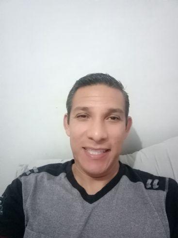 Miguel, Hombre de Reynosa buscando una cita ciegas