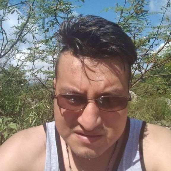 Rafael , Chico de Valle de Chalco Solidaridad buscando conocer gente