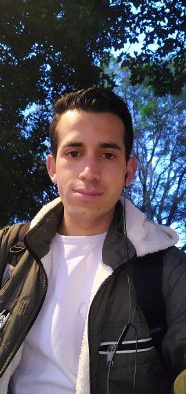 Fabian, Chico de Bogotá buscando conocer gente