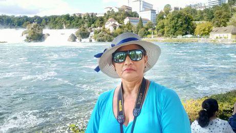 Luz, Mujer de Zúrich buscando amigos