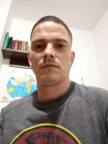 Juan pablo, Hombre de Envigado buscando conocer gente