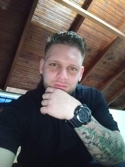 Santiago, Chico de Medellín buscando amigos