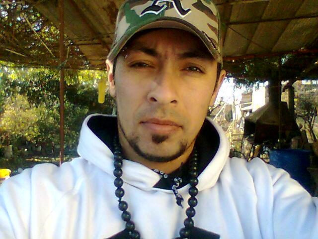 __ciro, Chico de Villa Gobernador Galvez buscando una cita ciegas