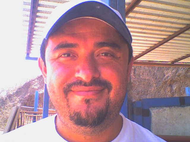 Aiturbeg, Hombre de La Plaza buscando conocer gente