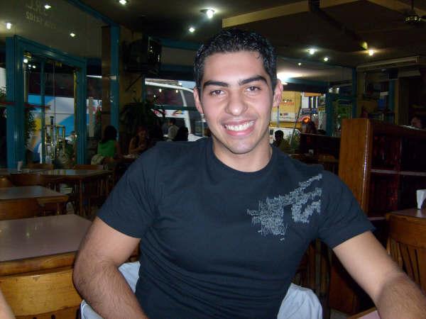 Arielbelieve, Chico de San Justo buscando conocer gente
