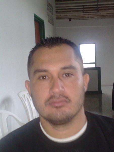 Caninos, Hombre de Valle del Cauca buscando conocer gente