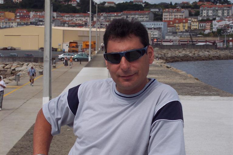 Dardebill, Hombre de Lugo buscando pareja