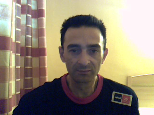 Erpepeiyo, Hombre de Girona buscando pareja