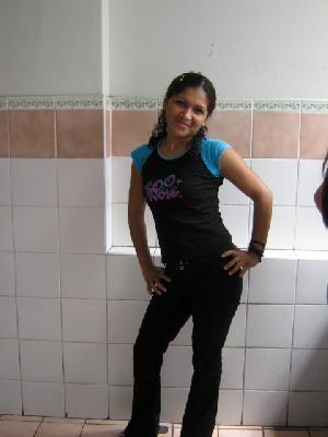 Lokiya, Chica de Callao buscando pareja