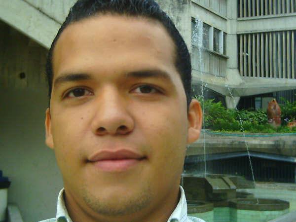 Maykor, Chico de Aragua buscando pareja