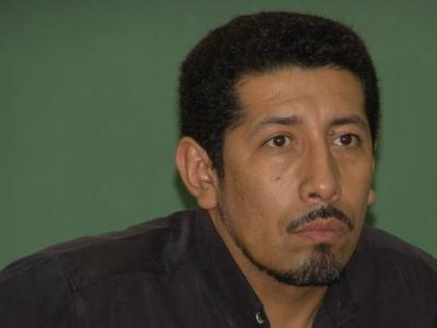 Nautiluspoet, Hombre de Tegucigalpa buscando una cita ciegas
