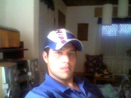 Negroeloocho, Chico de Bahia Blanca buscando conocer gente