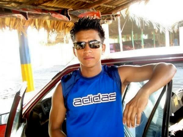 Whelman, Hombre de Guatemala buscando una cita ciegas